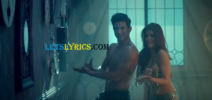 Main Tera Boyfriend Lyrics letslyrics